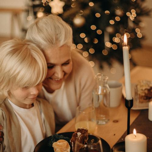 Fête des Grands-Mères : Nos idées cadeaux lumineuses!