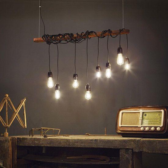 Grand lustre ampoules suspendues